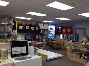 laundry - laundromat for sale Campbell River Comox Valley Area image 2