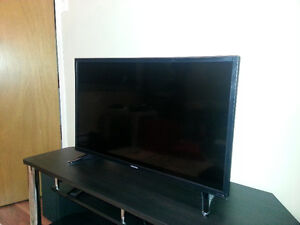 Used for a week only!!! Toshiba 32L220U