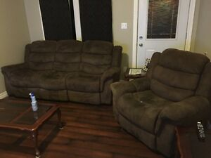 Recliner couch & recliner chair! Perfect condition