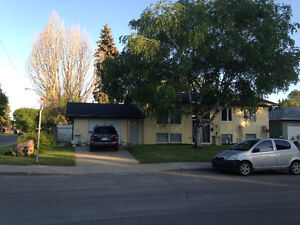 Big Brght 2 bdr in quiet S.Nutana. Partial furnished option avai