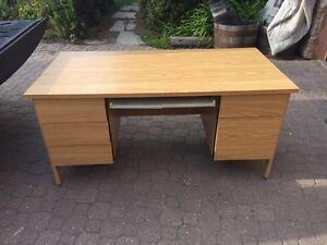 Nice Hardwood Desk (5FT x 2.5FT x 2.5FT)