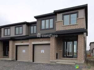 Stunning Executive Townhome – Orleans