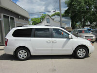 2009 Kia Sedona LX Minivan Was $13995 Now $11900 !!!