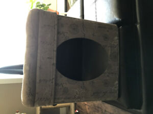 Selling small cat house