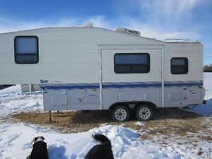 24.5 ft TERRY 5th WHEEL with ONE SLIDE