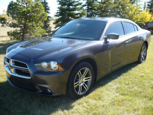 2014 Dodge Charger SXT with low km