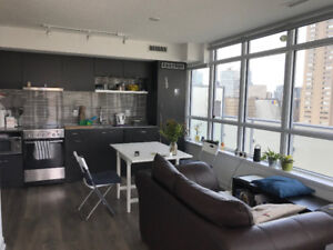 Bright 1 bedroom corner condo unit – Church / Carlton – Sept 1