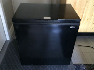 Apartment Freezer - Black