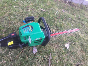 """Weed Eater Gas Hedge trimmer - Stainless Steel Blade 22"""""""