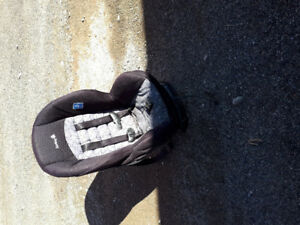 car seat for kids or 1 yr olds