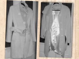 Manteau Miss Swiss blanc cassé. Large. 40$