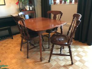 Vilas solid maple dining table and chairs $100