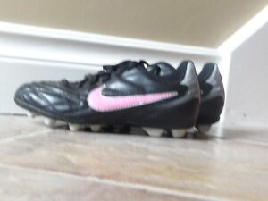 Girls Nike Soccer Shoes