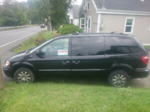 2007 Chrysler Town & Country Limited Minivan, Van