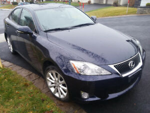 Lexus is 250 awd quattro xdrive  58200 KM