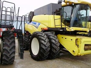 2014 New Holland CR8090 Combine London Ontario image 12