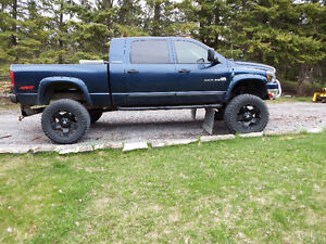 2006 Dodge 2500 mega cab diesel- MONSTER VERSION