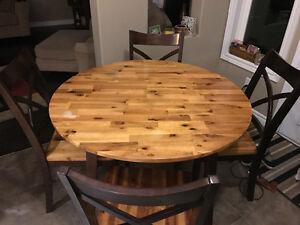 Kitchen Table and 4 chairs Kitchener / Waterloo Kitchener Area image 1
