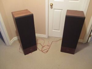 VINTAGE REALISTIC T120- 3 WAY SPEAKERS AND ORIGINAL BOXES