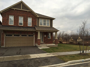 MILTON DETACHED BEAUTIFUL HOME 2400 SQFT FOR LEASE BY OWNER