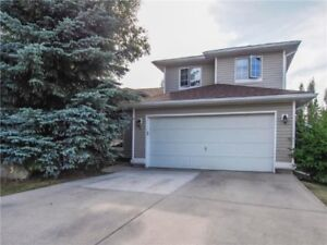Nice Family HOME for SALE in Okotoks **Book a showing today!