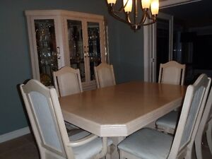 Hardwood dining table&buffet/Ensemble salle à diner avec buffet Gatineau Ottawa / Gatineau Area image 1