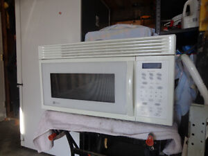 MAYTAG UNDER COUNTER MICROWAVE Windsor Region Ontario image 1