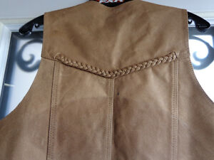 Brown leather vest in Ladies Med.  recycledgear.ca Kawartha Lakes Peterborough Area image 4