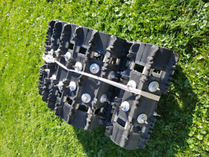Snowmobile track 137x16x1.25 studded