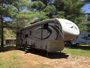 Motivated Seller for Luxurious Montana High Country 338 DB 2013