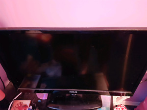 Mint condition 28 inch flat screen  tv