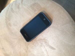 Excellent condition iPhone 4 with case