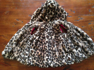 ADORABLE HOODED VEST (4T)