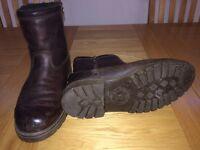 Men's fur lined boots size 9