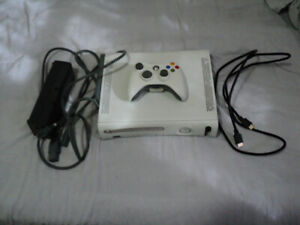 60 GB Xbox 360 Console w/ All Hook Ups and Controller