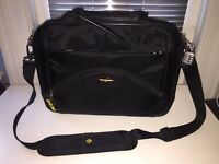 "Samsonite 17"" laptop carry case, w/ leather finish"
