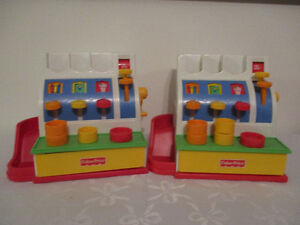 2  Caisses   Fisher-Price  1994  (($15chaque))