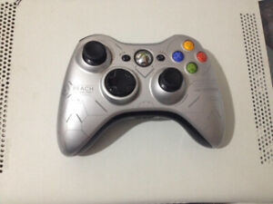 Xbox 360 with wireless halo controller + 10 Games