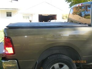tri-fold tonneau cover for ram 1500 5FT. 7In Kawartha Lakes Peterborough Area image 1