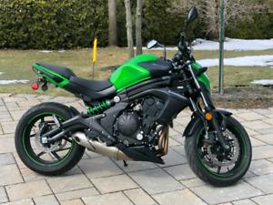 Kawasaki er6n 2015 presque neuve
