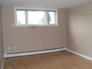 775$ month all incl for  2 bed+ gift card to help with your move