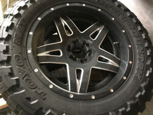 """22"""" Fuel Full Blown on Toyo Open County 37"""" MT's w/Spare!!!"""