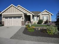 Gorgeous Custom Designed Home Bungalow Walk Out