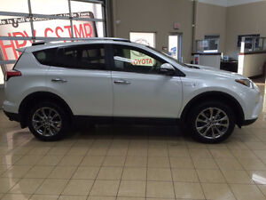 2016 RAV4 Limited Tech Pack HYBRID - Online Demo Deal