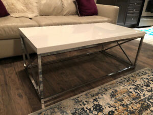 White Coffee table with chrome base