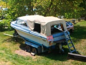 22 ft Soft Top Boat