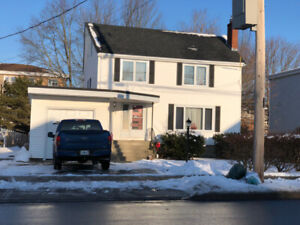 Gorgeous 4 Bedroom House- Fairview