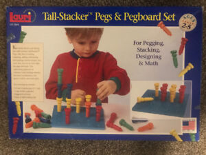 Lauri Tall stacker Pegs and peg board set