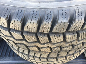 215/70R16 studded tires like new