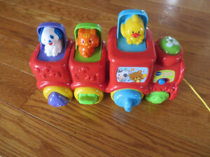 VTech Roll & Surprise Animal Train - FRENCH!